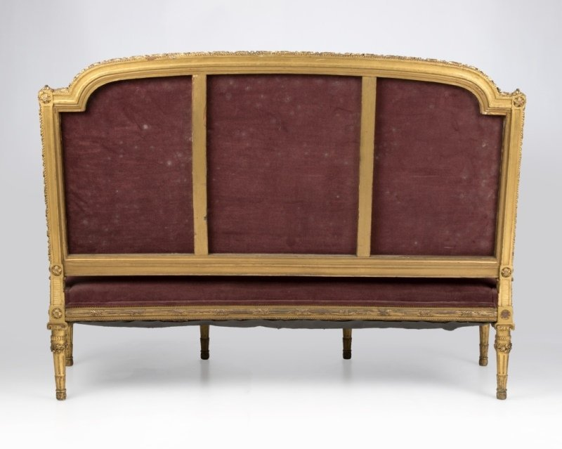 A Louis XVI-style carved giltwood settee - 4