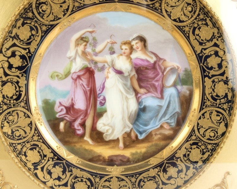 A framed Royal Vienna porcelain plate - 2