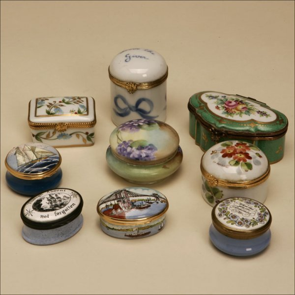 1002: A GROUP OF NINE ASSORTED ENAMEL SMALL BOXES