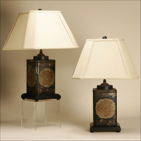 1015: A PAIR OF TOLE CHINOISERIE TEA-CANISTER LAMPS