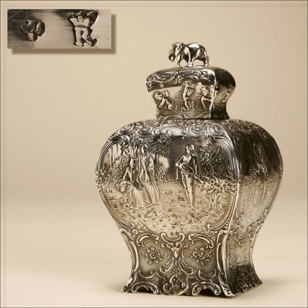 1022: A CONTINENTAL REPOUSSE SILVER TEA CADDY