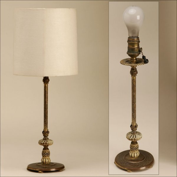 2005: AN ART NOUVEAU GILT-BRONZE LAMP, EARLY 20TH C