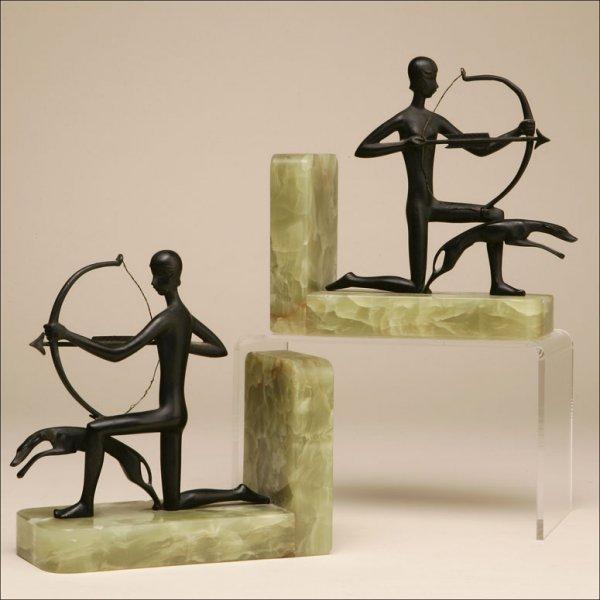 2006: A PAIR OF AUSTRIAN ART DECO BRONZE/ONYX BOOKENDS