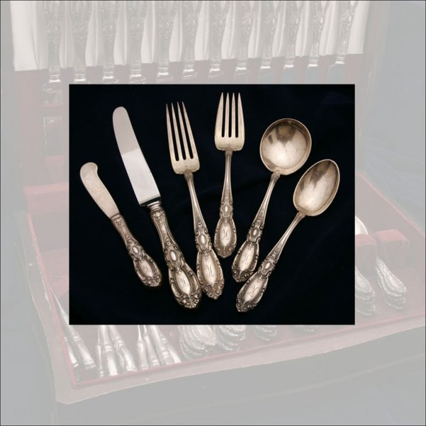 2024: A TOWLE KING RICHARD STERLING FLATWARE SERVICE