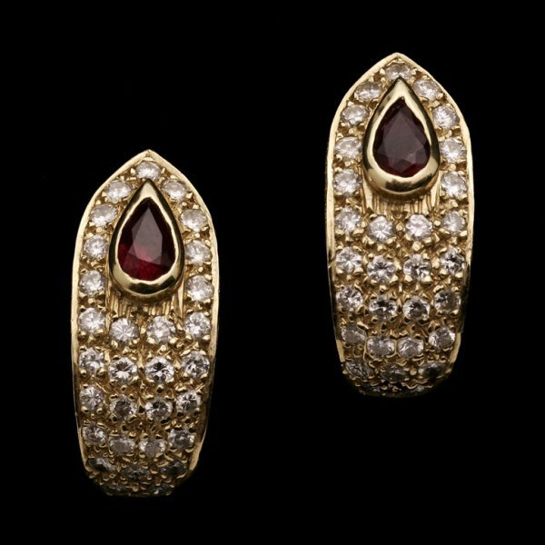 2145: A PAIR OF DIAMOND, RUBY AND GOLD EARRINGS