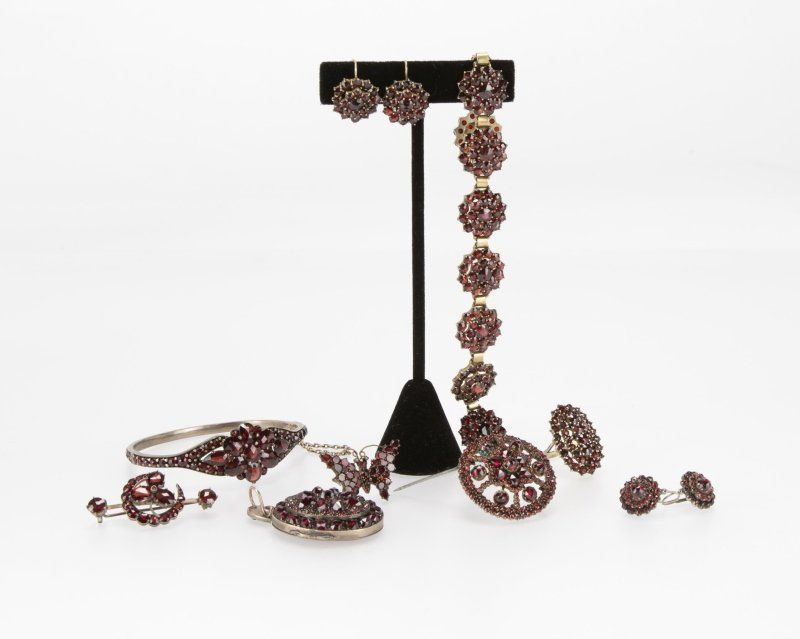 A group of Victorian garnet jewelry