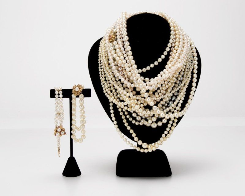 Nineteen cultured pearl items, including Buccellati