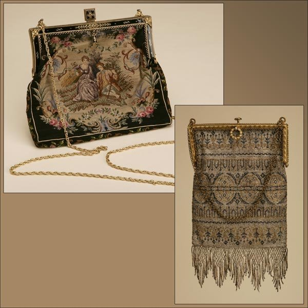 1005: TWO VINTAGE  PURSES, EARLY 20TH CENTURY
