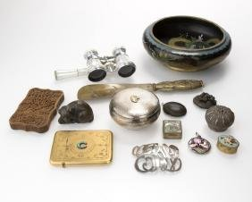 A group of miscellaneous decorative objects