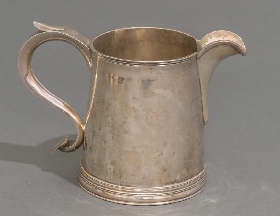 An Early American Tankard/Beer Pitcher ca 1760 - 4