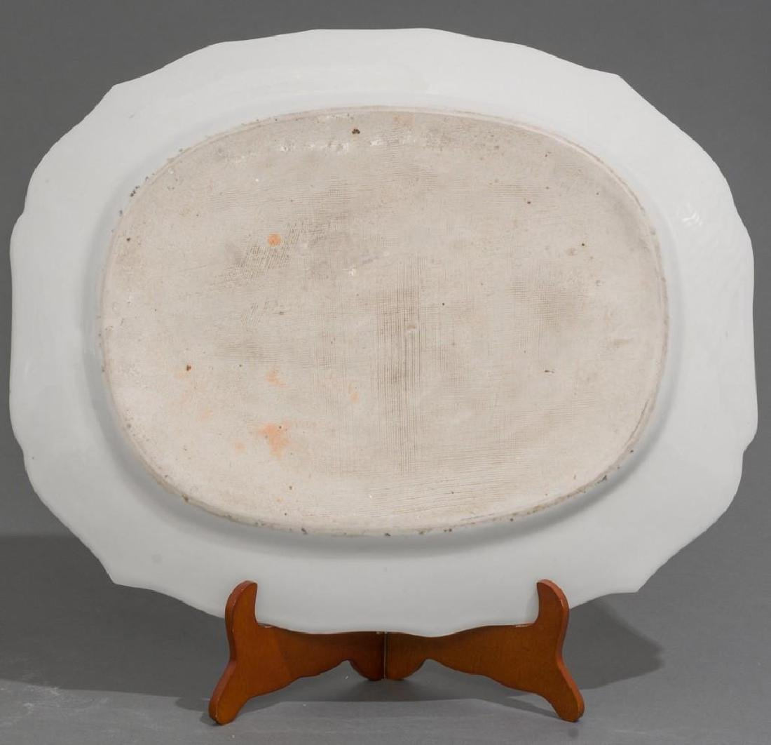 A Chinese Export Armorial Porcelain Platter - 3