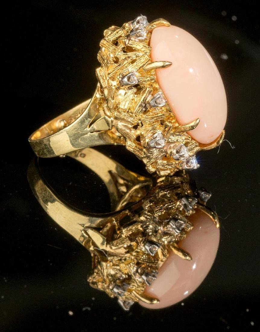 Diamond, Pink Coral & 18k Gold Ring - 4