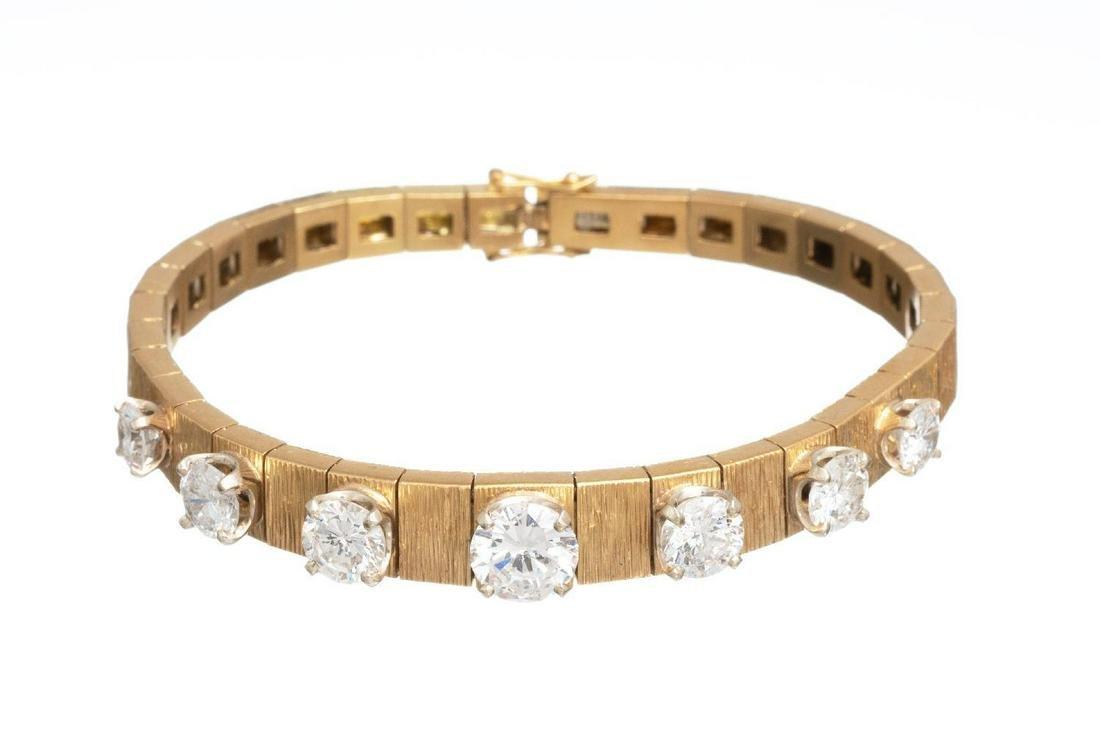 Ladies' 5.82ctw. Diamond & 18K Gold Bracelet