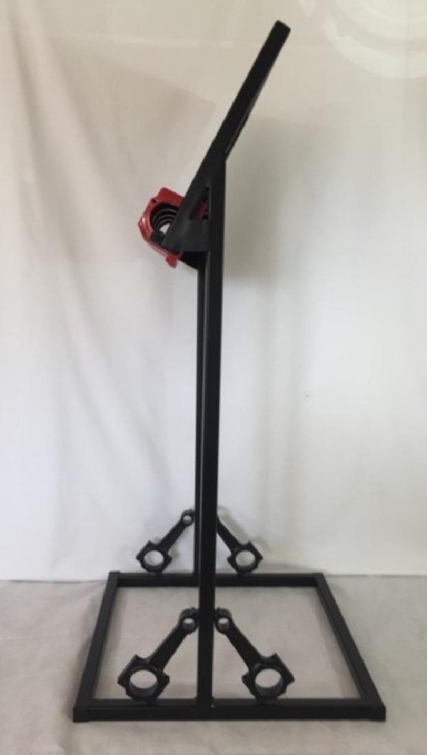 Porsche display stand. - 4