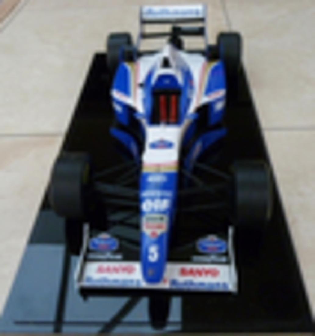 Williams FW18 1/8 scale model. - 3