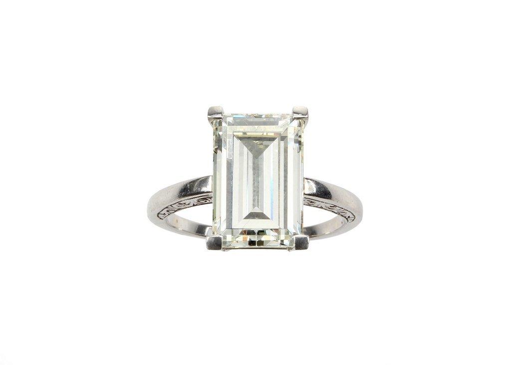A rectangular step Emerald cut Diamond ring of 5.34