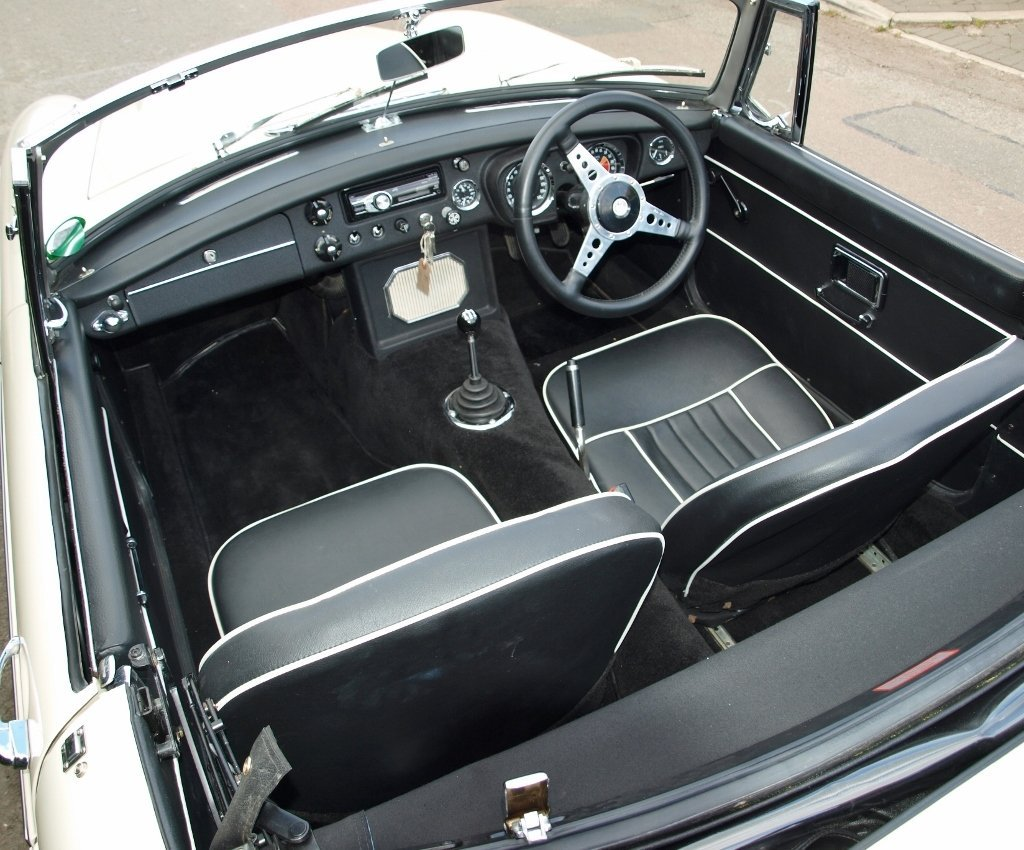 1968 MGC Roadster - 10