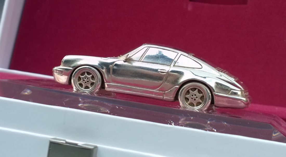 Porsche 993 Desk Paper Weight