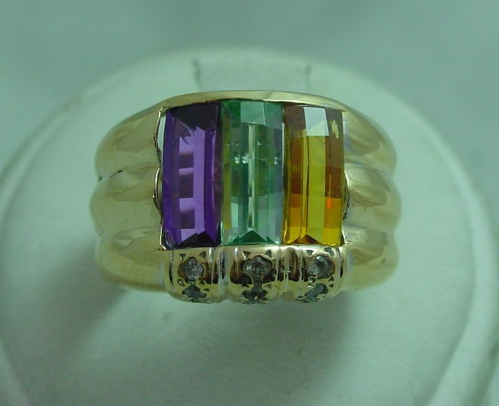 18K Multicolor Ring with  Diamonds