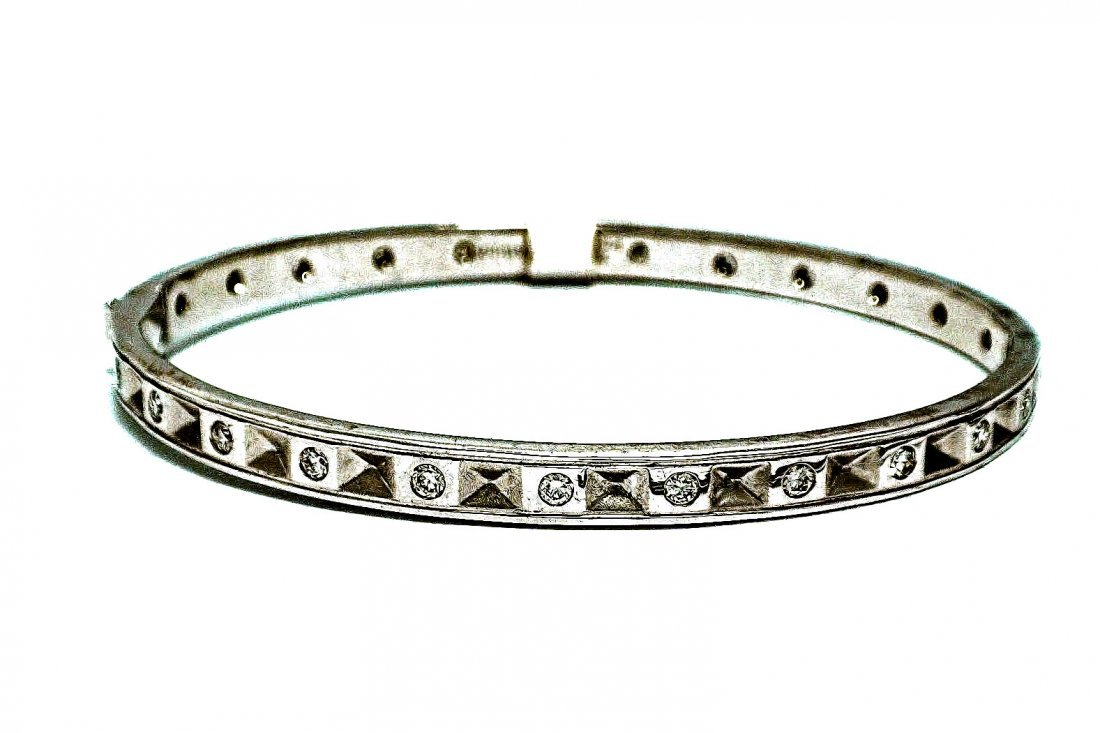 18KT White Gold Bangle Bracelette with Diamonds