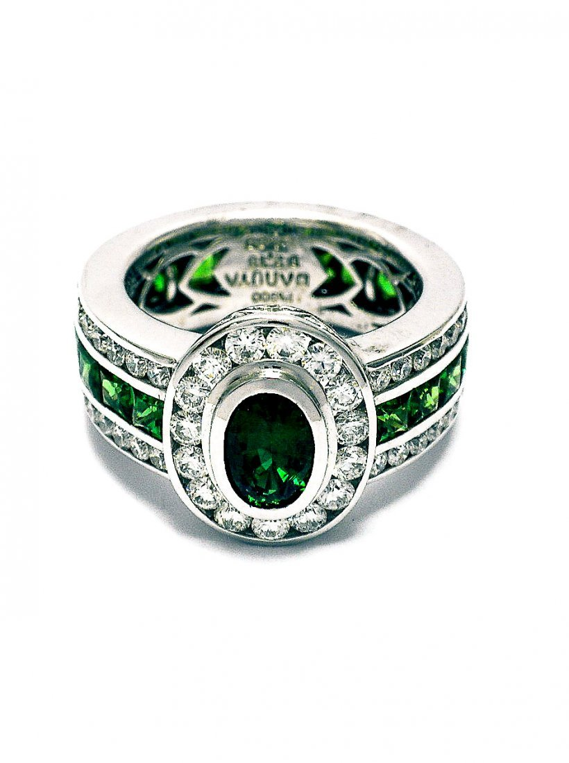 PlatinumTsavorite & Diamond Ring