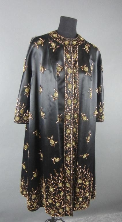 STUNNING CHINESE BLACK SATIN AND BEADED EVENING COAT