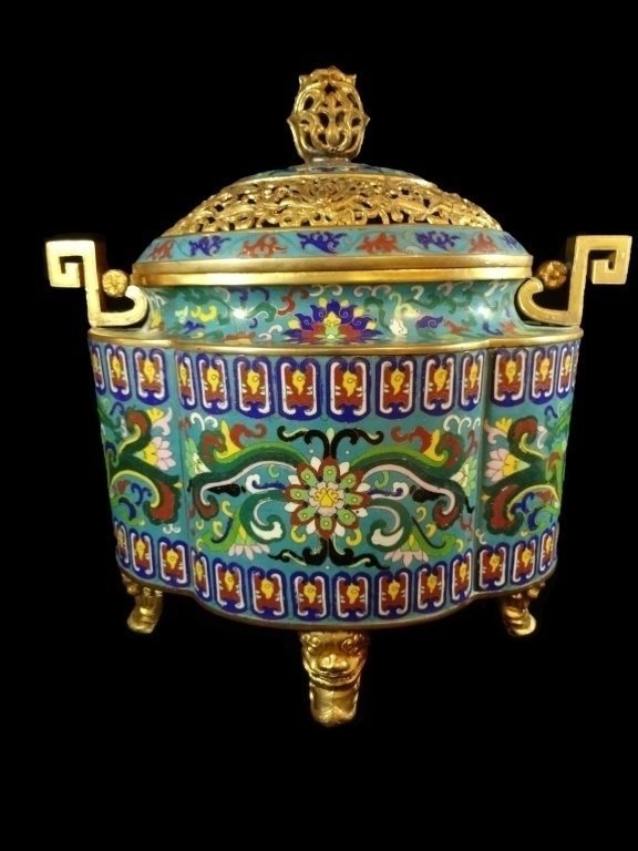 LARGE CHINESE CLOISONNE URN QING DYNASTY , 19TH