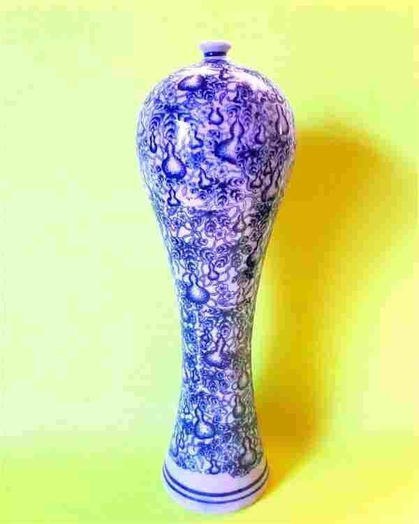Rare Qianlong Chinese Antique Blue White Porcelain Vase