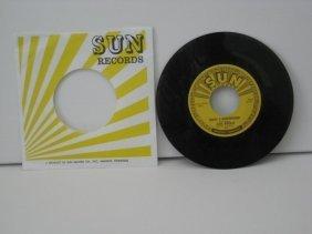 Stunning Elvis Presley 45rpm Sun Record 1954-55 + GIFT