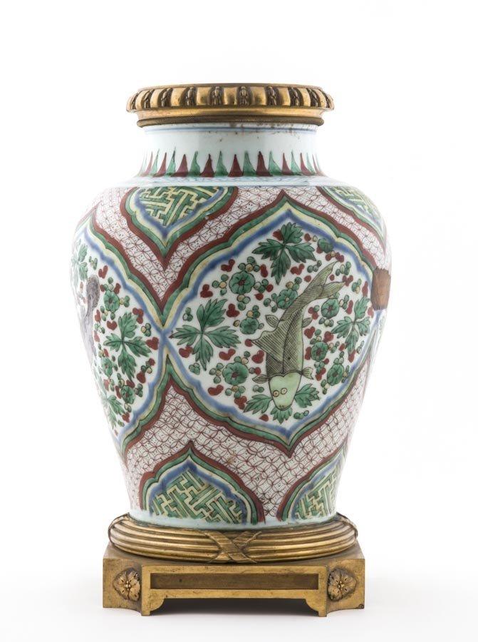 A Fine Chinese wucai jar