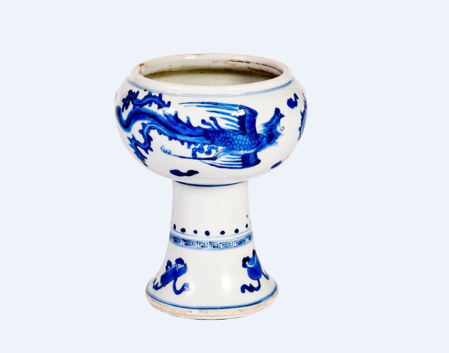 A Chinese blue and white stem cup