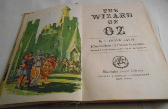 Vintage The Wizard of Oz Book