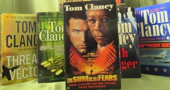 TOM CLANCY paperback Books Lot of 12
