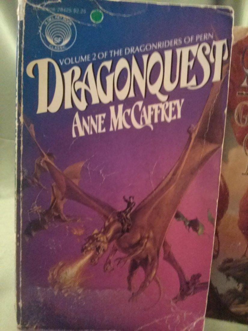 Anne McCaffrey DRAGONQUEST & THE GIRL WHO HEARD DRAGON