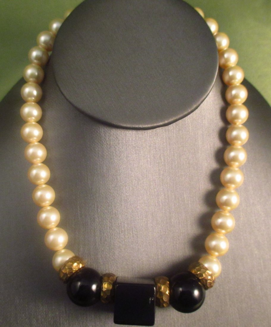 Alexis Kirk High End Faux Pearl and Black necklace