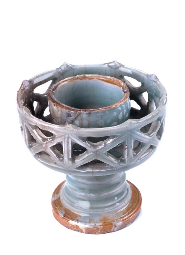 song dynasty candle hold w 5in. H 5 in