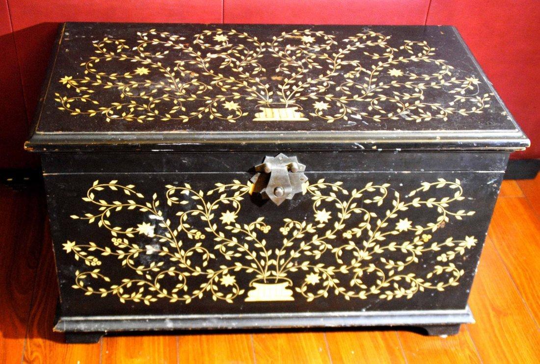 Bone Mosaic  Patterned  Wood Box
