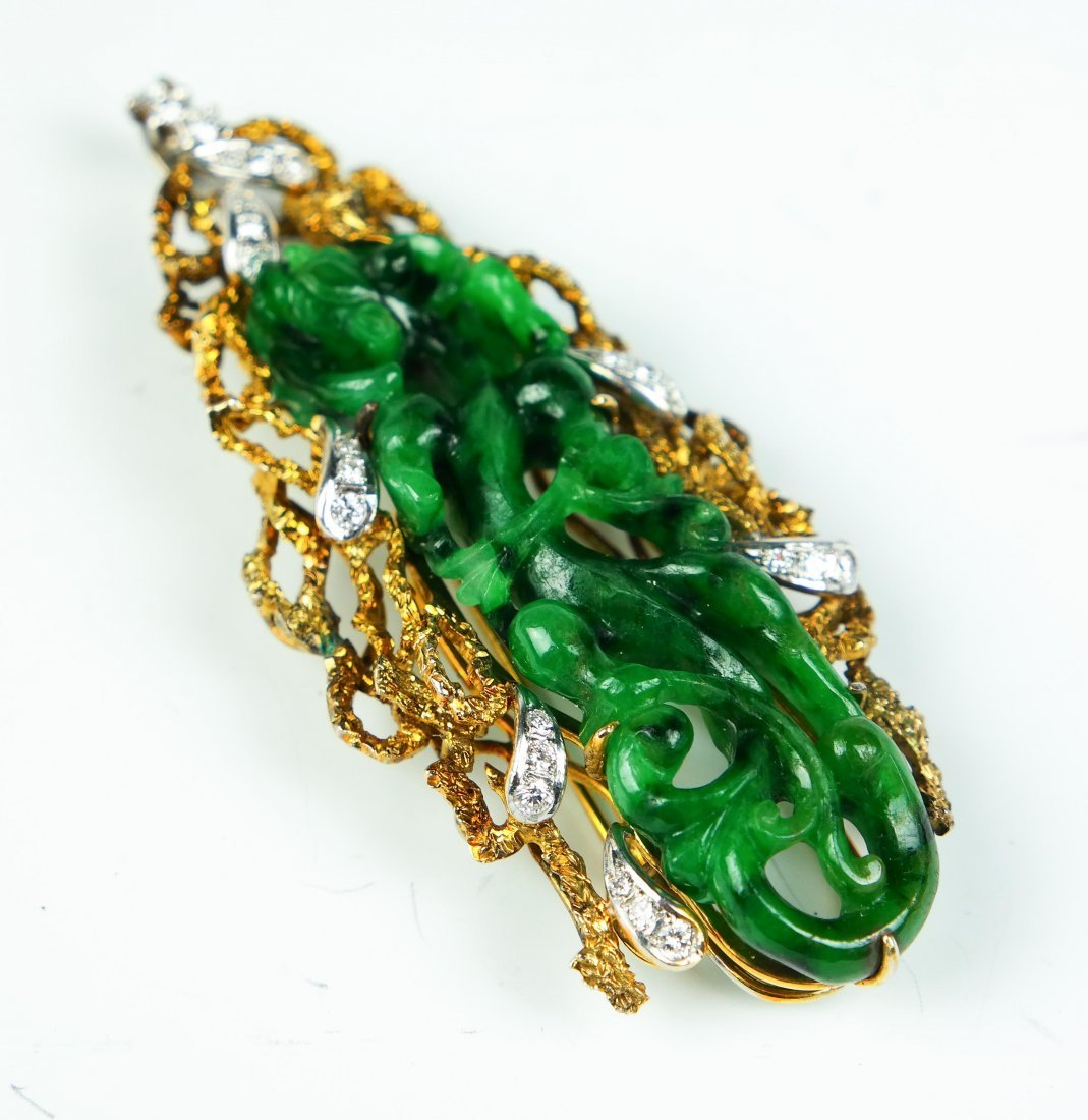 a jade 18k pendant - 2