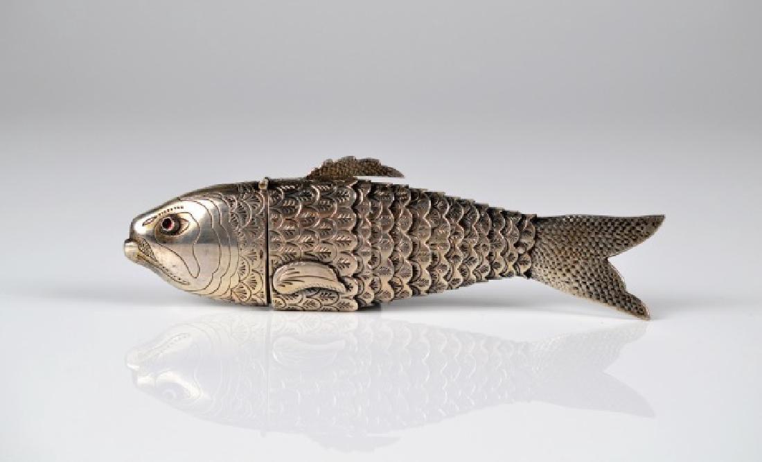 DUTCH SILVER ARTICULATED FISH
