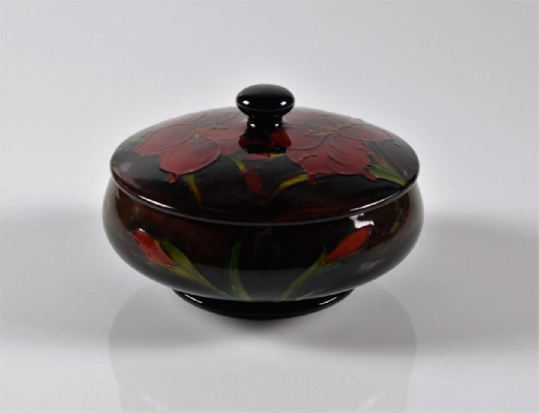 MOORCROFT POTTERY AFRICAN LILY FLAMBE COVERED DISH