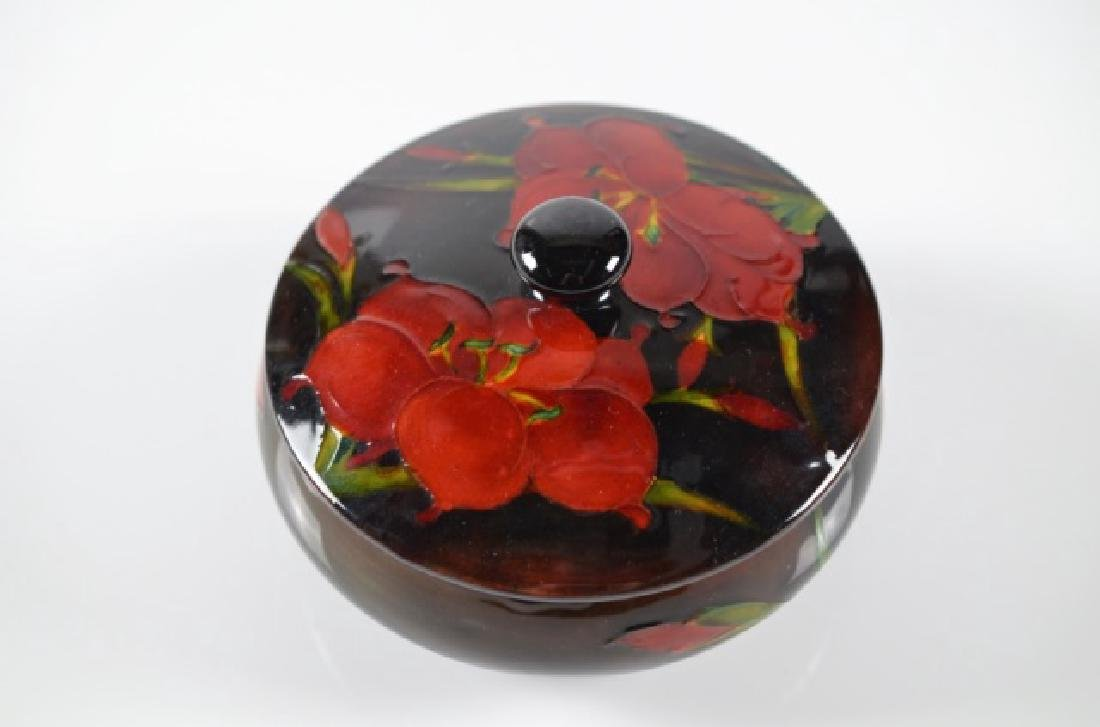 MOORCROFT POTTERY AFRICAN LILY FLAMBE COVERED DISH - 2