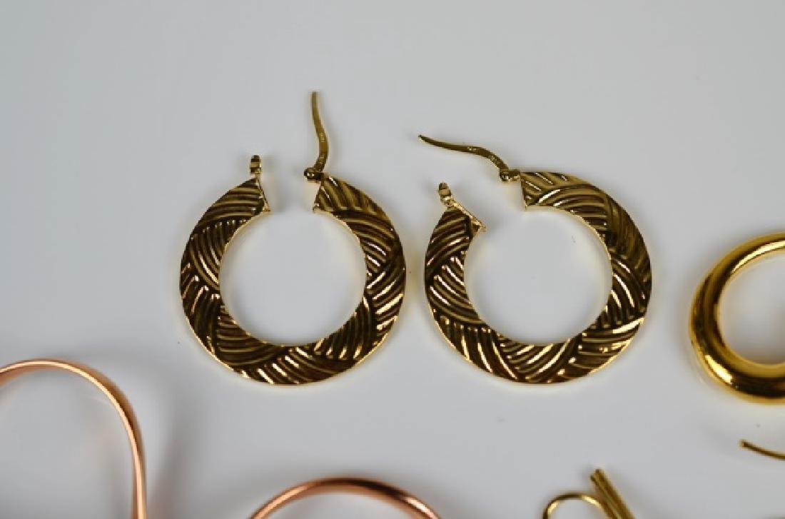 LOT OF GOLD EARRINGS - 3