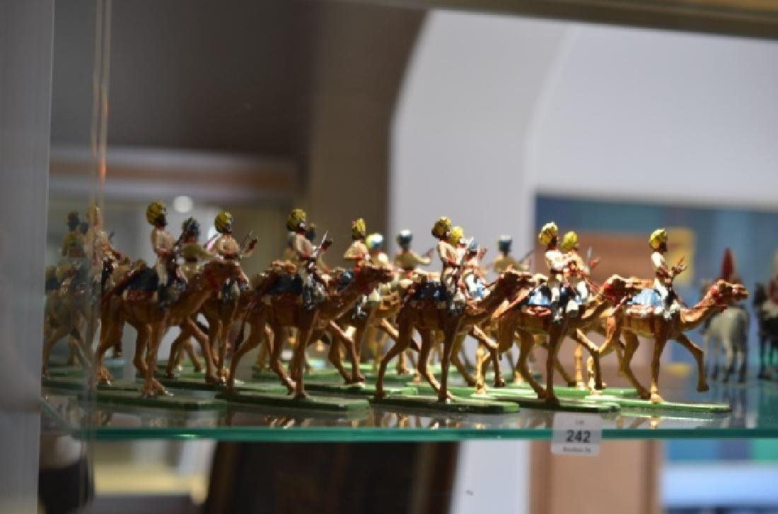 LOT OF MARLBOROUGH MILITARY MODEL LEAD SOLDIERS - 3