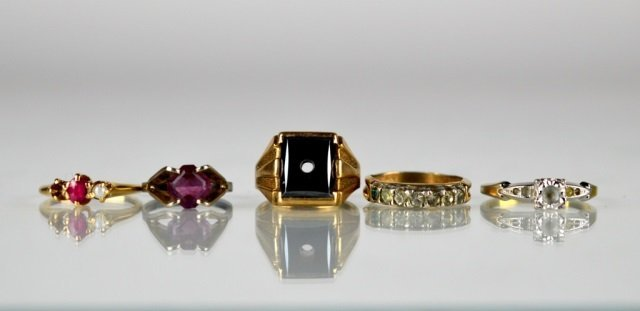 LOT OF TWO GOLD RINGS T/W OTHERS