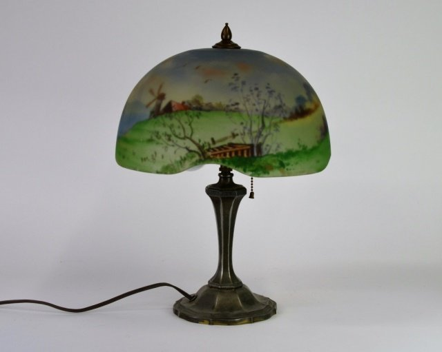 PAIRPOINT REVERSE PAINTED AMERICAN GLASS LAMP