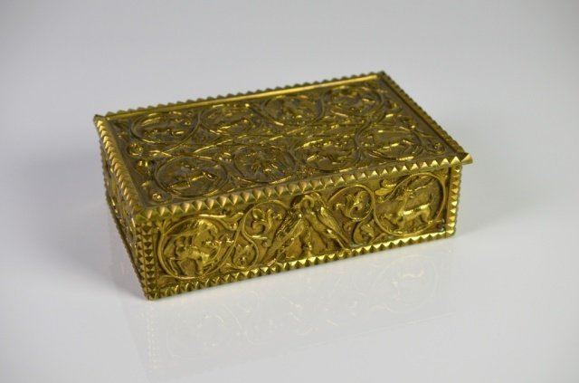BRASS MEDIEVAL INFLUENCED BOX