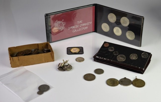 CANADIAN, AMERICAN & INTERNATIONAL COINS/MEDALS