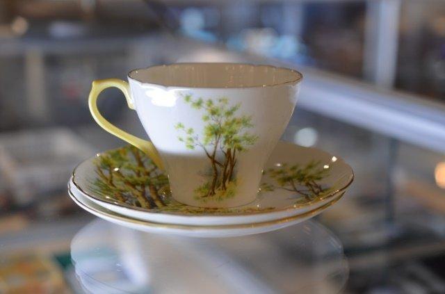 SHELLEY DAFFODIL TIME PORCELAIN TEA SERVICE - 9