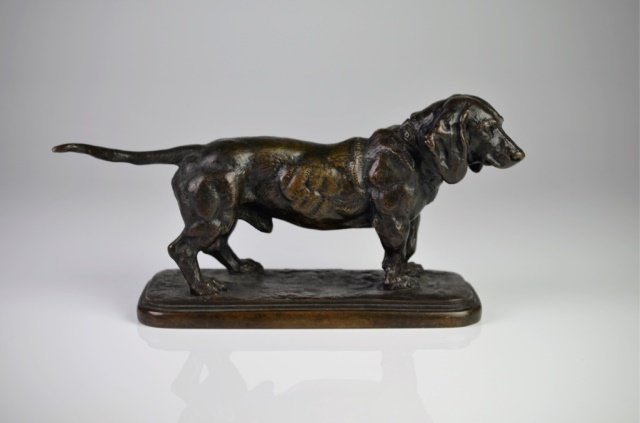 19TH CENTURY FRENCH BRONZE SCULPTURE OF A DOG
