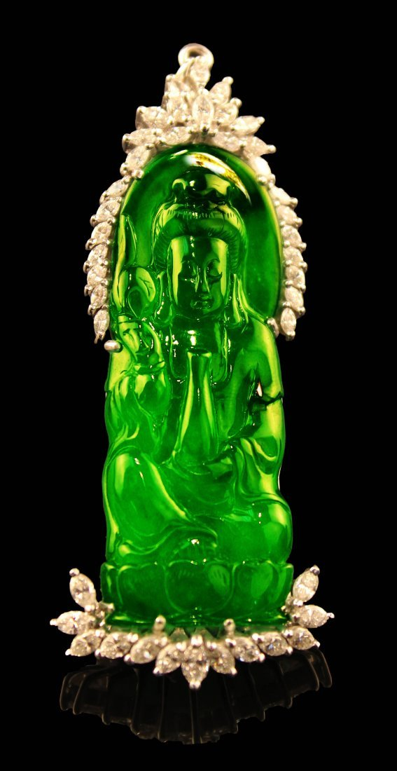 VERY RARE CHINESE CARVED GUANYIN FULL GREEN JADEITE